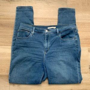 LEVI 720 High Rise Super Skinny Jeans
